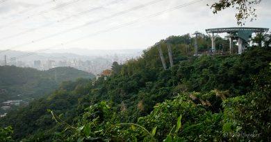 Maokong Gondola + Hiking Maokong Potholes